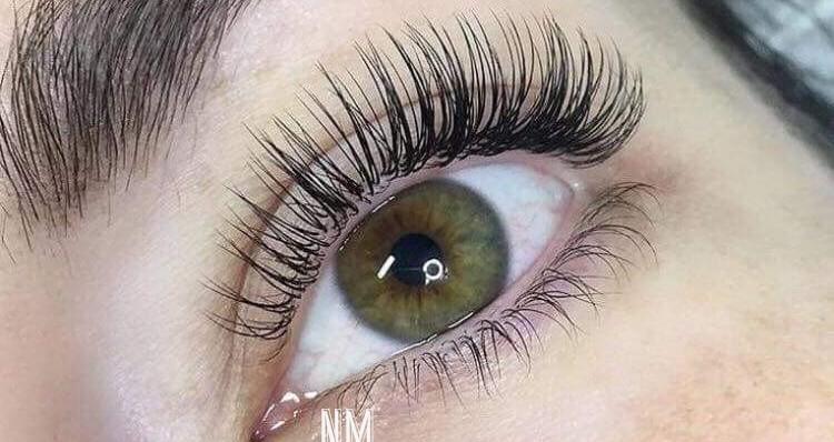Single eyelashextensions - nyt fuldt sæt