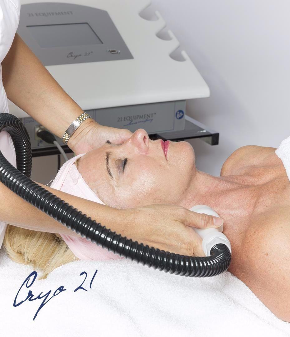 Cryo Ansigtsbehandling - fuld luksus behandling